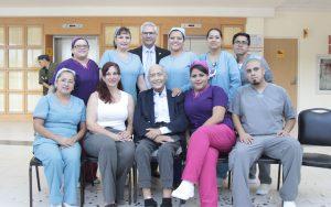 Mauricio Zapián junto al equipo de Hospital Sur